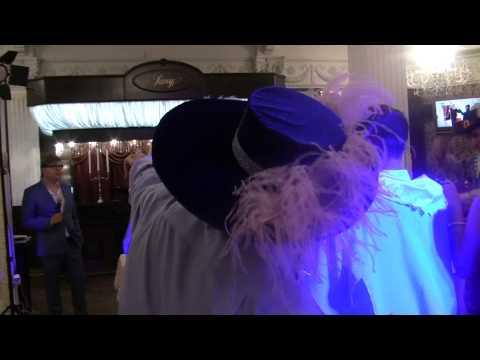Свадьба с настоящими друзьями (мушкетерами)