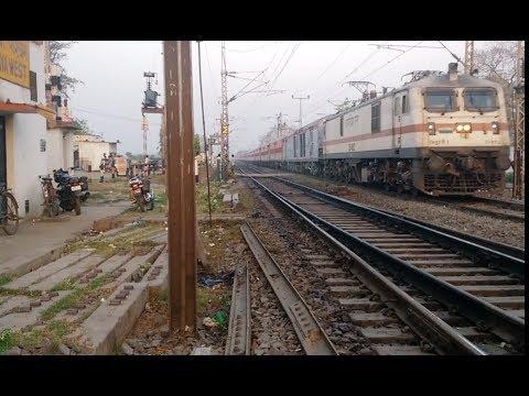 #22324 Ghazipur - Kolkata SHABDBHEDI express Entering Gaya Junction Early Morning
