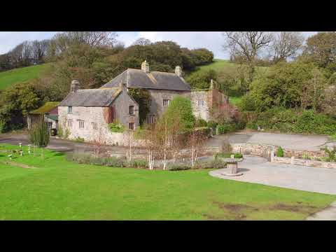 Pengenna Manor - exclusive use wedding venue in Cornwall