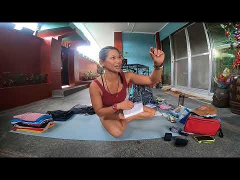 Simple pack list for Nepal Annapurna Circuit Trek • Female Solo Traveler • #Vlog5 #WocInNature