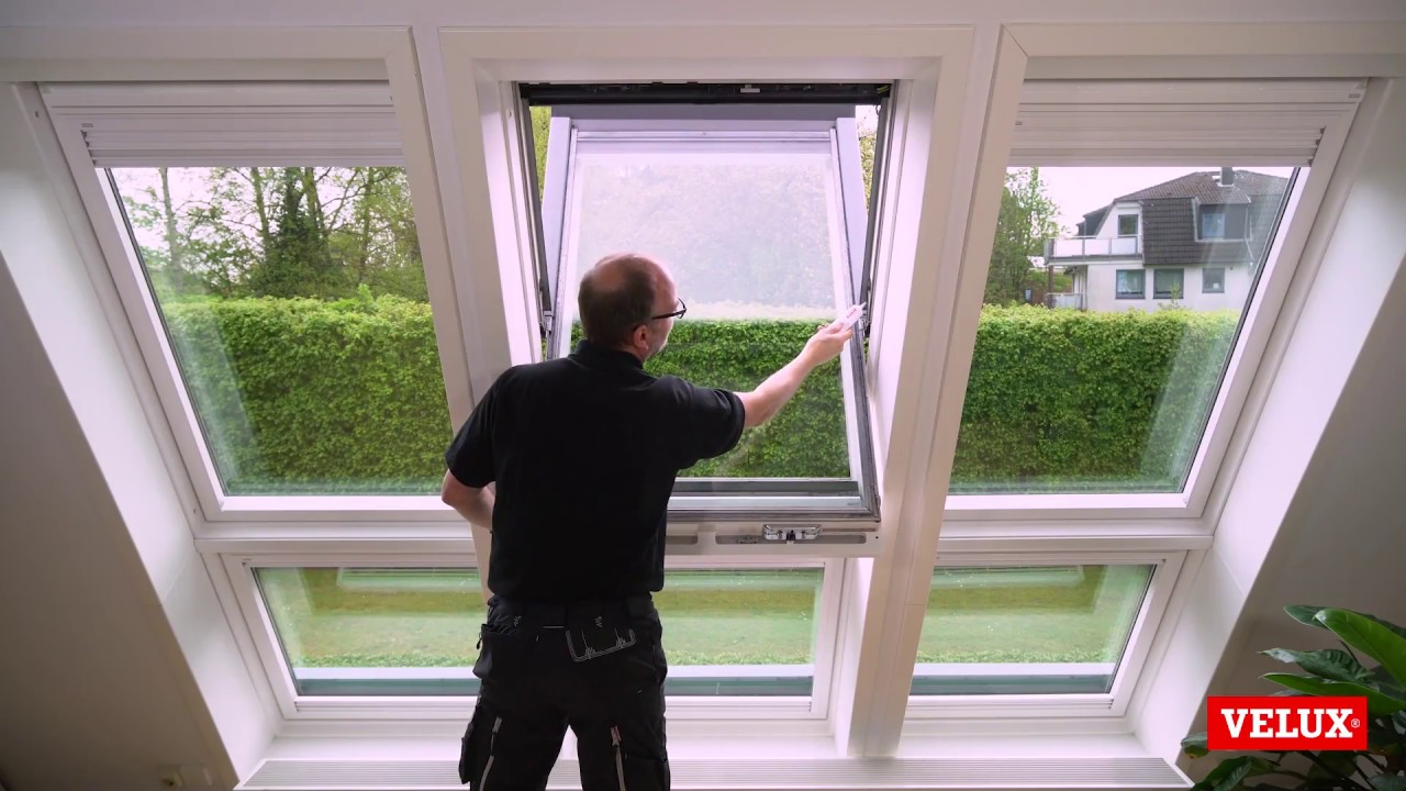 Velux Roof Window Lubricating Pivot Hinge And Lock Youtube