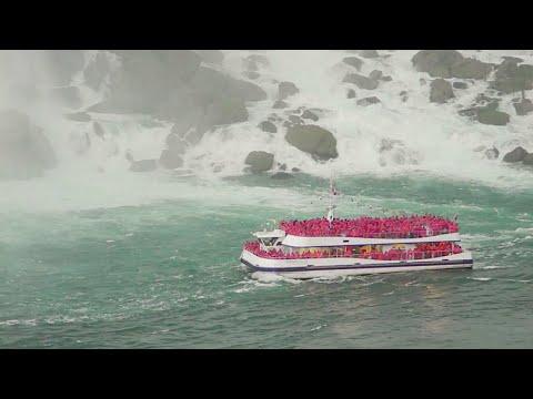 Niagara Falls Hornblower Cruise into the Horseshoe Falls (Complete Ride)