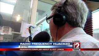 Pirate radio station prompts residents to call the feds