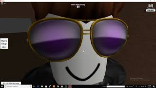 Ne ascundem in Roblox