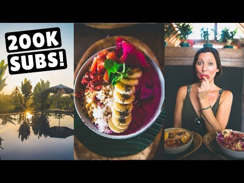 FIRST DAYS IN BEAUTIFUL BALI | Canggu & Tanah Lot Temple by Scooter