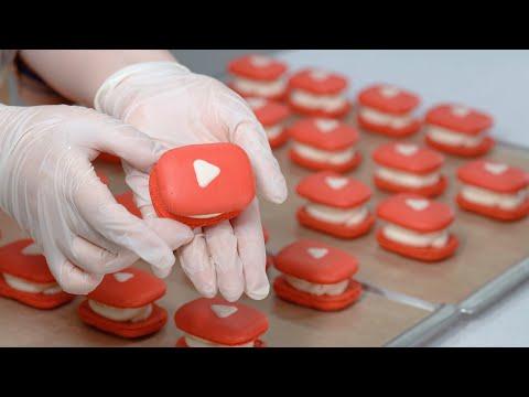 making-youtube-logo-macarons