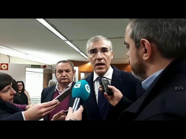 Conde mantén un encontro con alcaldes sobre o programa Aprol Rural