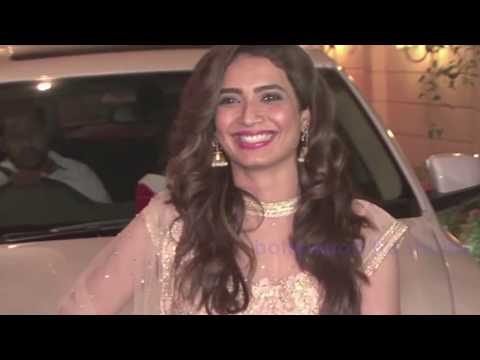 Karishma Tanna's Embarrassing Wardrobe Malfunction At Ekta Kapoor Diwali Party thumbnail