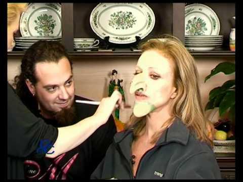 Como aplicar una mascara de halloween a silvia para su bruja en el programa de en casa contigo - Como pintar a una nina de bruja para halloween ...