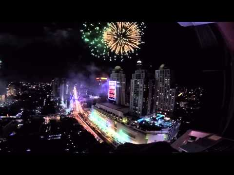 Bangkok New Year's Eve 2016 Countdown and Fireworks Over Central World