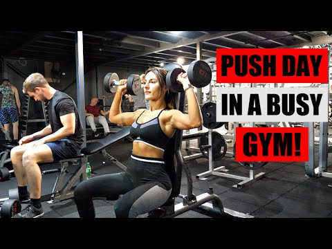 WORKING OUT IN A BUSY GYM, PUSH DAY! Krissy Cela