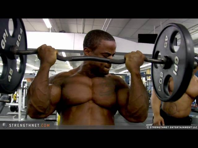Anthoneil Champagnie Hits Biceps with EZ-Bar Curls