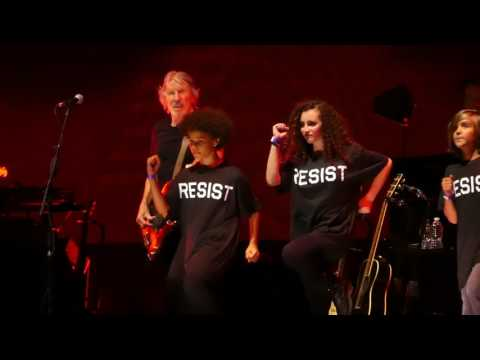 """""""Another Brick in the Wall"""" Roger Waters@Wells Fargo Center Philadelphia 8/8/17"""