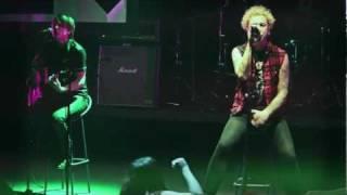 Дмитрий Спирин (Тараканы!) - Я Смотрю На Них (live@ 2011.12.24)