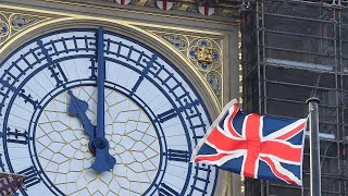 video: Brexit latest: Big Ben sounds as UK officially leaves transition period
