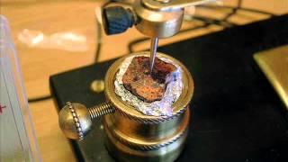 Démonstration d'un oscillateur à Zincite
