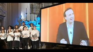 Il coro della pastorale giovanile diretto dal M° Federica Fornabaio