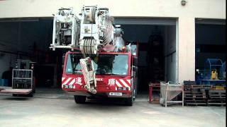 Terex Demag AC 200-1 , Tong Soon Crane Pte Ltd (倒車)