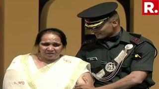 Kargil Martyr's Family - Wife Kamlesh Bala And Son Lt. Hitesh Attend Kargil Commemorative Event