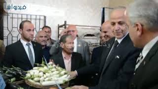بالفيديو : محافظ القليوبية يفتتح منفذ بيع مدرسة مشتهر الزراعية بطوخlE