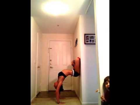 hollowback lotus yoga handstand how to get into it