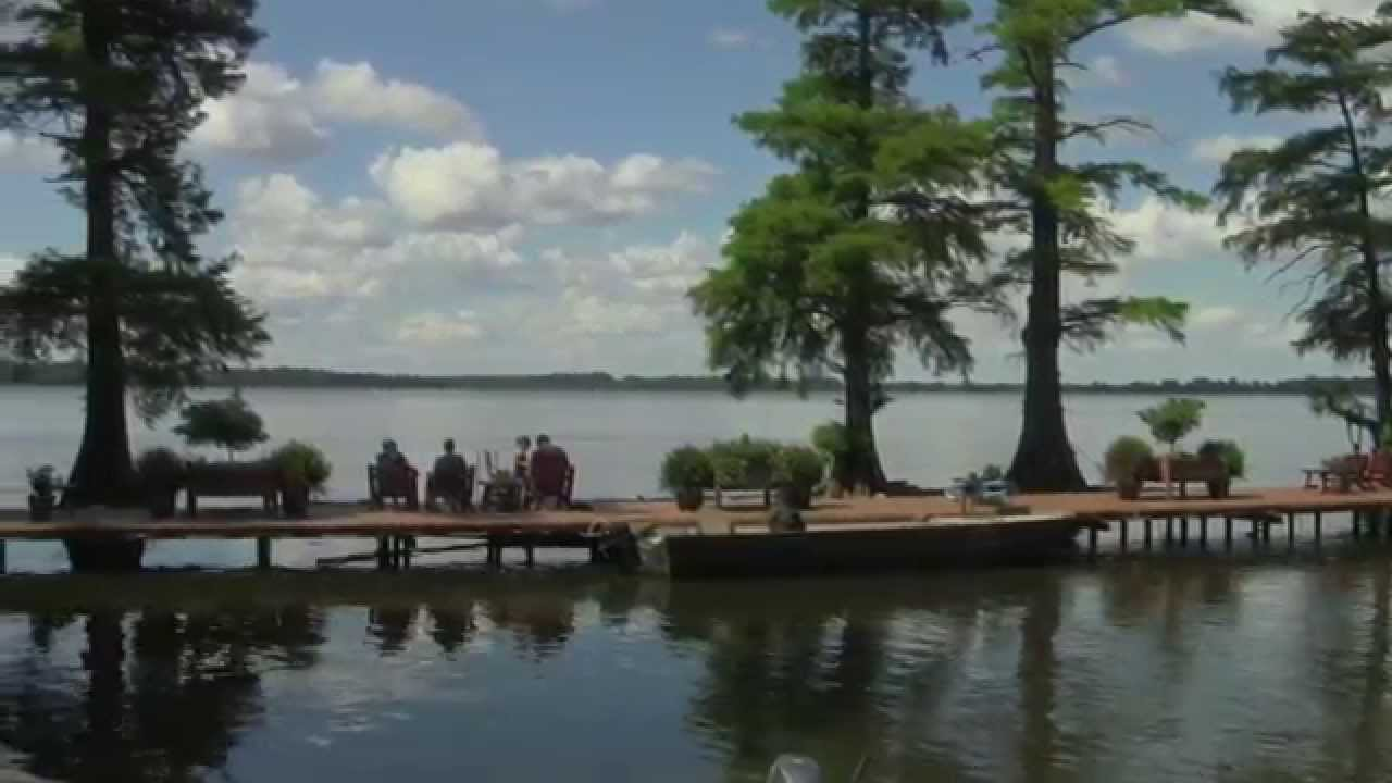 Reelfoot lake crappie fishing blue bank resort youtube for Reelfoot lake crappie fishing