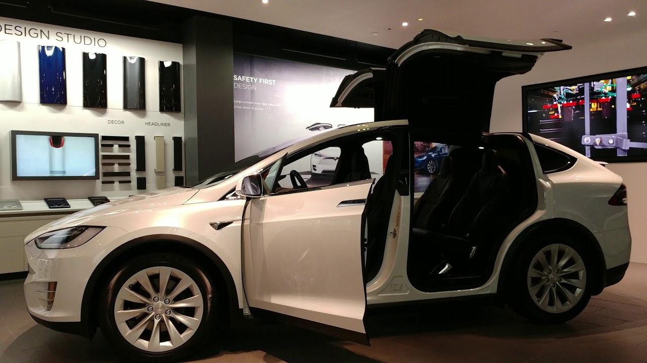 2017 Multi Coat Pearl White Tesla Model X Suv 6 Seater