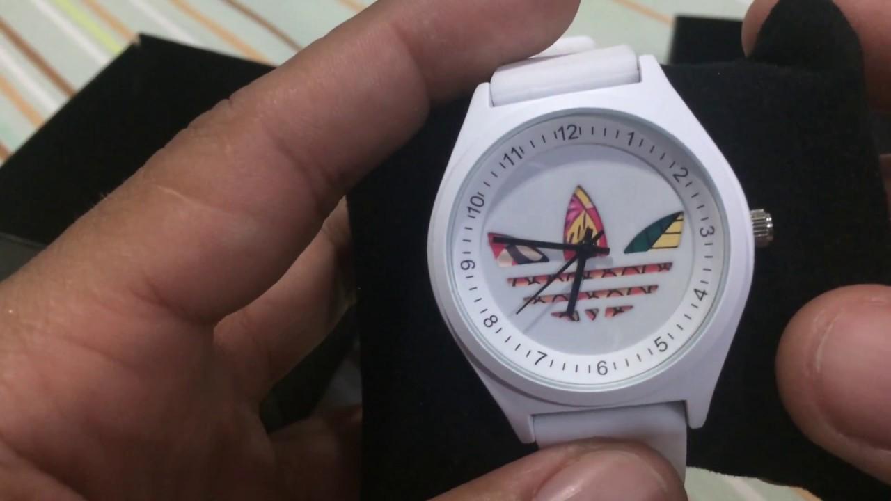a1e2e8d3df7 Unboxing Relógio adidas Branco logo colorida importado - YouTube