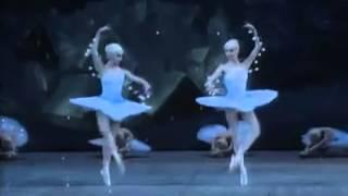 Flakes from the ballet Nutcracker (Mariinsky Corps de ballet)/ Снежинки из балета Щелкунчик