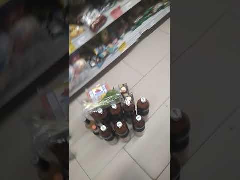 Опись и изъятие просроченных продуктов в магните полицией г. Прохладного. Молодцы
