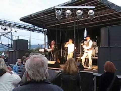 Walkers - Sha la la la la (Origional Version) and Live cuts 2009 July