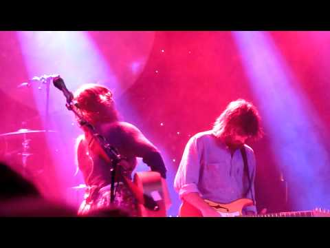 HD - Angus & Julia Stone - Wasted (live) 2011