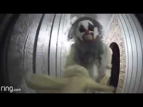 Camera records a clown visiting a house (Topeka, Kansas)