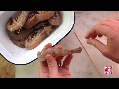 How to devein a prawn