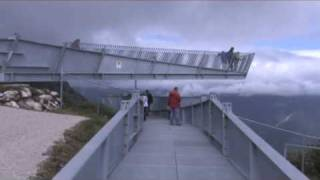 AlpspiX:  Schaukeln 1000 Meter über dem Abgrund