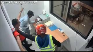 Cámara de seguridad capta atraco a farmacia en la capital