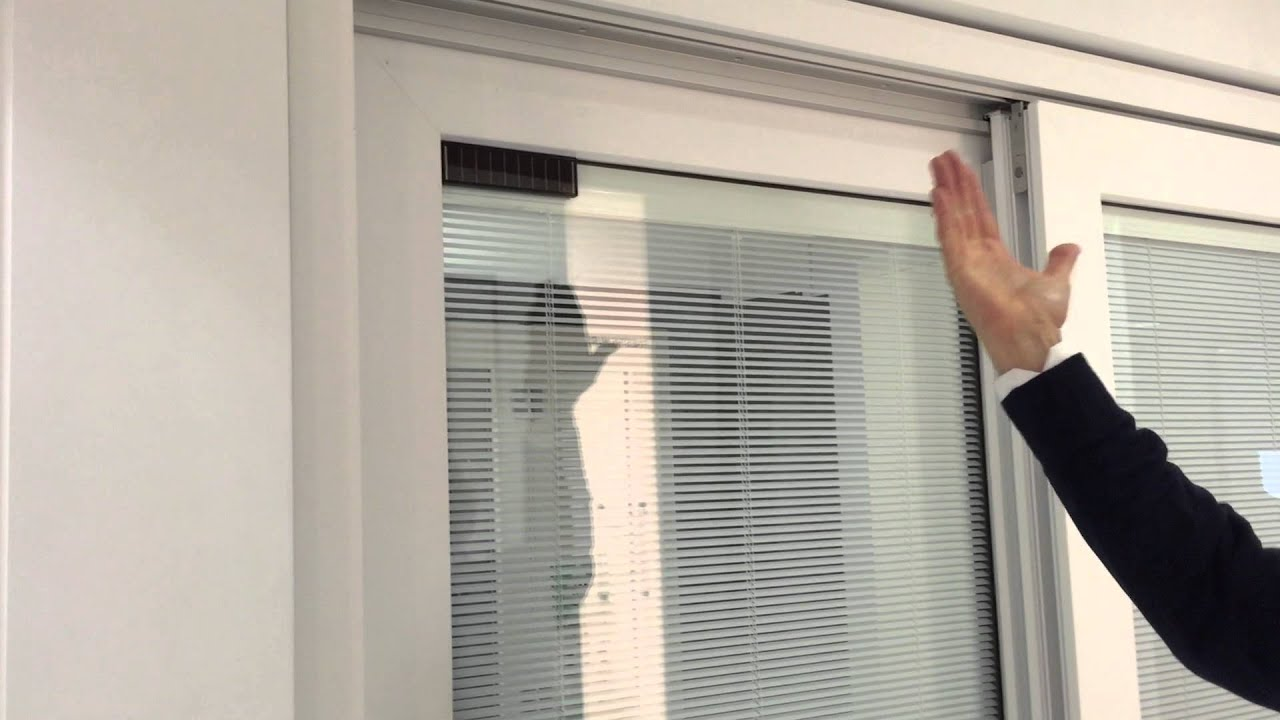 Veneziana interno vetro su alzante scorrevole finestre - Ikea zanzariere per finestre ...
