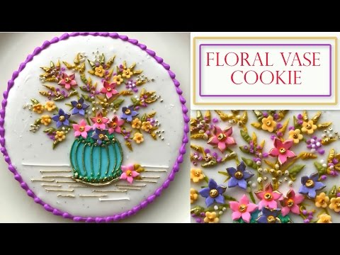 How to Decorate A Flower Cookie   Floral Vase Plaque