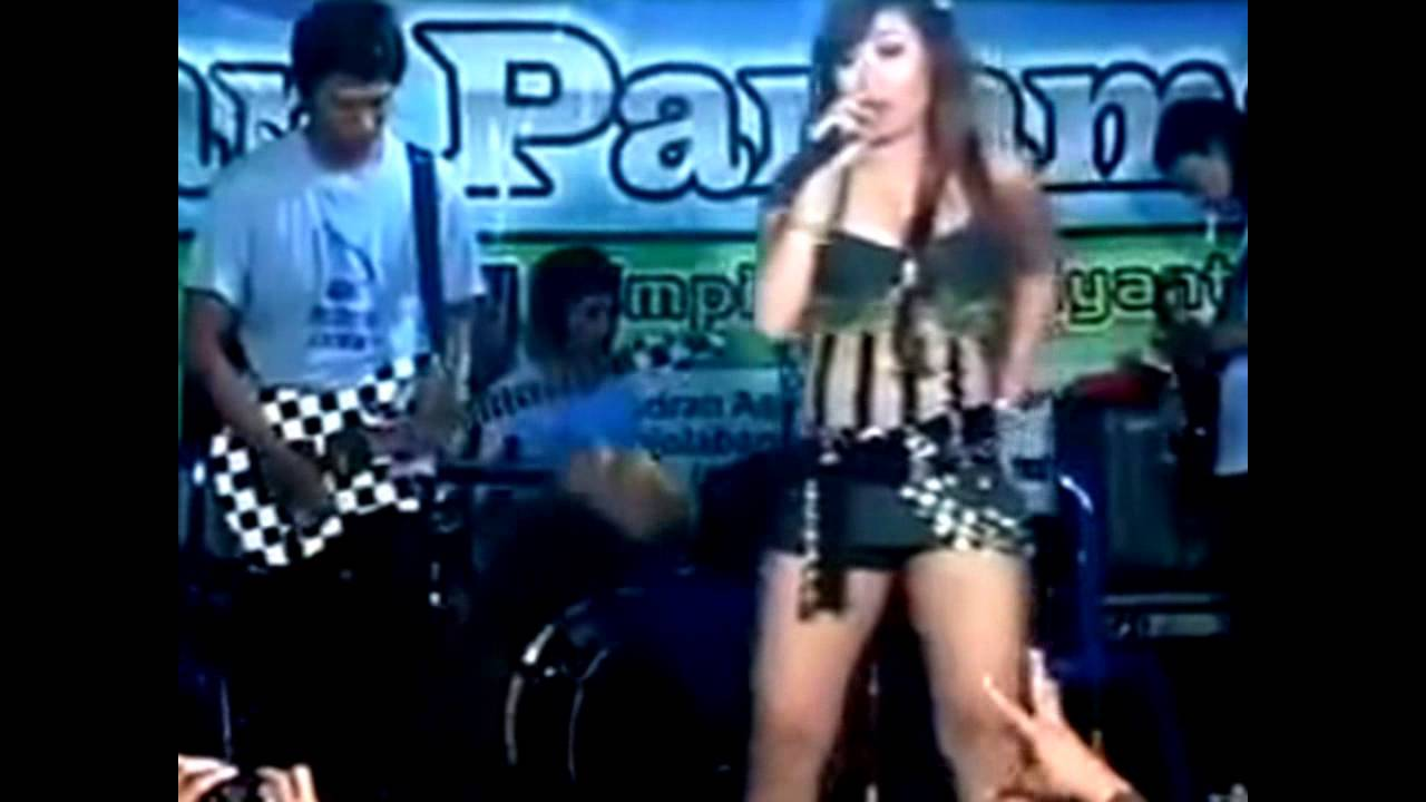 Dangdut Hot Ikif Tak Tunggu Balimu - YouTube