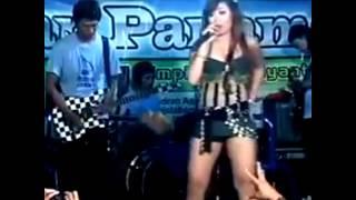 Repeat youtube video Dangdut Hot Ikif Tak Tunggu Balimu
