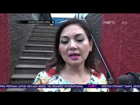 Meski Telah Bercerai, Nia Daniaty tetap Berhubungan Baik dengan Keluarga Menantu