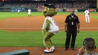 LAD@HOU: Astros mascot Orbit sways to Beyonce