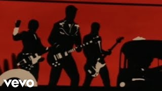 Queens Of The Stone Age - Go With The Flow(Music video by Queens Of The Stone Age performing Go With The Flow. (C) 2002 Interscope Geffen (A&M) Records A Division of UMG Recordings Inc., 2009-10-05T22:51:52.000Z)
