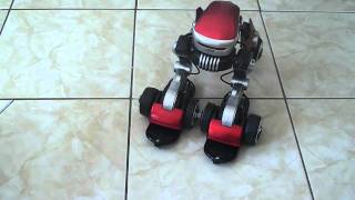 carro robô de brinquedo