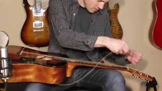 видео Как правильно поменять Струны на акустической Гитаре