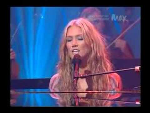 Delta Goodrem Innocent Eyes - Live at Max Sessions
