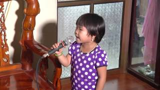 Thần đồng 4 tuổi hát Gặp Mẹ Trong Mơ đầy cảm động trao đảo cộng đồng Mạng