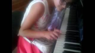 Луиза играет музыку из сериала (Лестница в небеса)🎉🎊🎉🎊