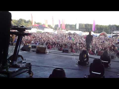 Katy B - Perfect Stranger (Feat Magnetic Man) - Live HD