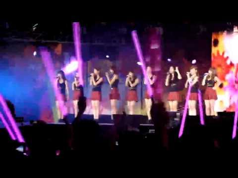 [FANCAM] SM Town Live Shanghai - SNSD - RDR - My Child - Kissing You
